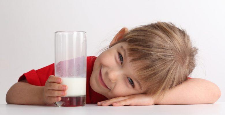 Süt içmenin çocuklara faydası neler