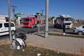 Kamyonetin çarptığı motosiklet sürücüsü öldü