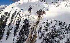 Çığın İsviçre kayak alanına çarpmasından dolayı 4 kişi öldü