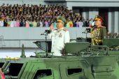Kuzey Kore'nin devasa maskesiz askerleri koronavirüs tehdidine meydan okuyor