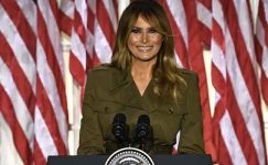 Melania Trump, veda mesajında Amerikalılara 'şiddetin asla çözüm olmadığını' söylüyor